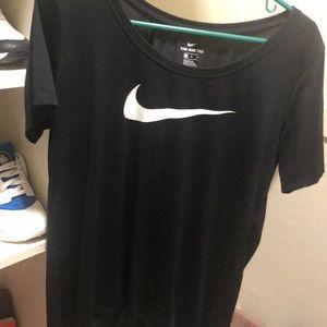 L Nike T-shirt